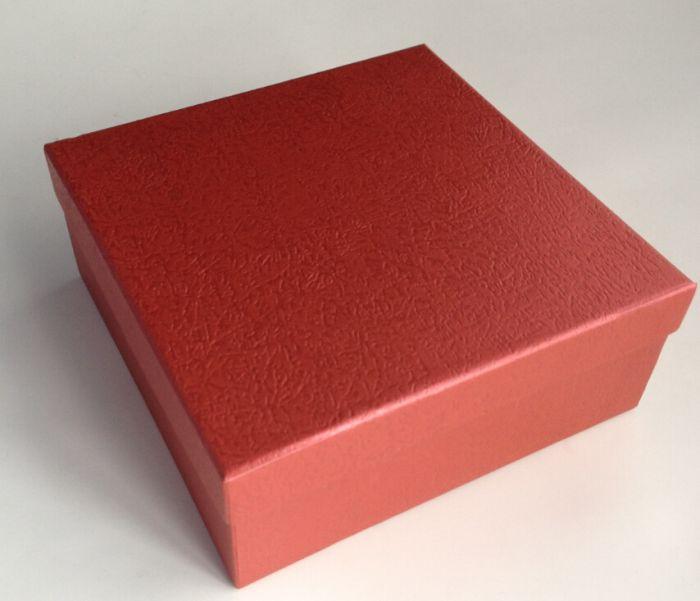 Коробка подарочная квадратная 16*16*6,3см Алый-L