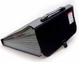 Портфель с ручкой 12отд Attache черный
