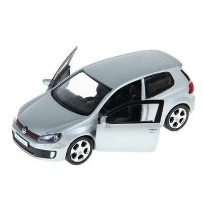 Машина Volkswagen Golf GTI 5
