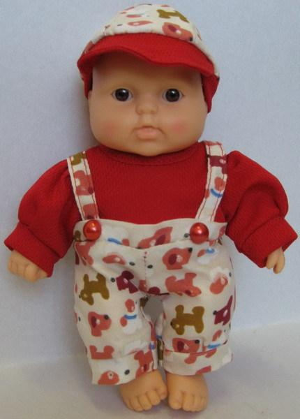 Кукла Карапуз-8 (мальчик) 20см в штанишках, свитерке и кепке пласт.