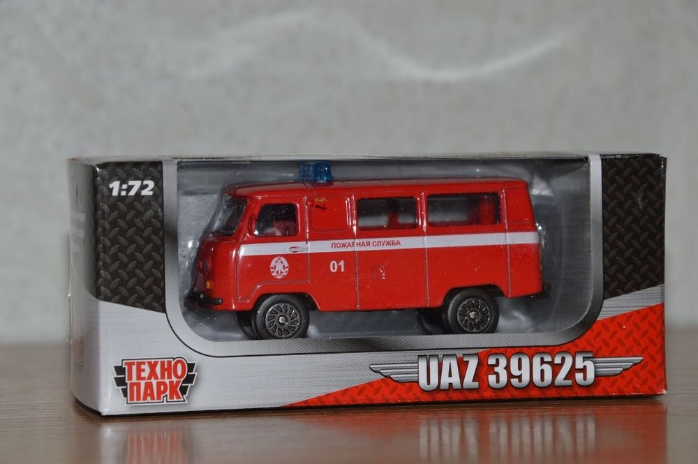 Машина УАЗ 39625 Спецслужба металл 1:72