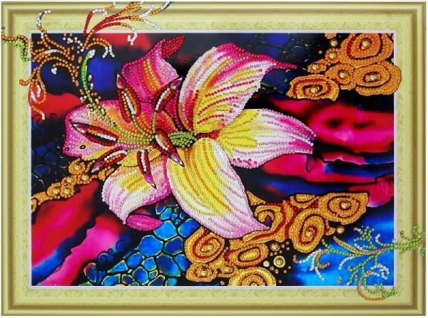 Творч Алмазная картина 30*40 Золотая лилия с фигурными стразами